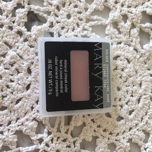 Mary Kay blush